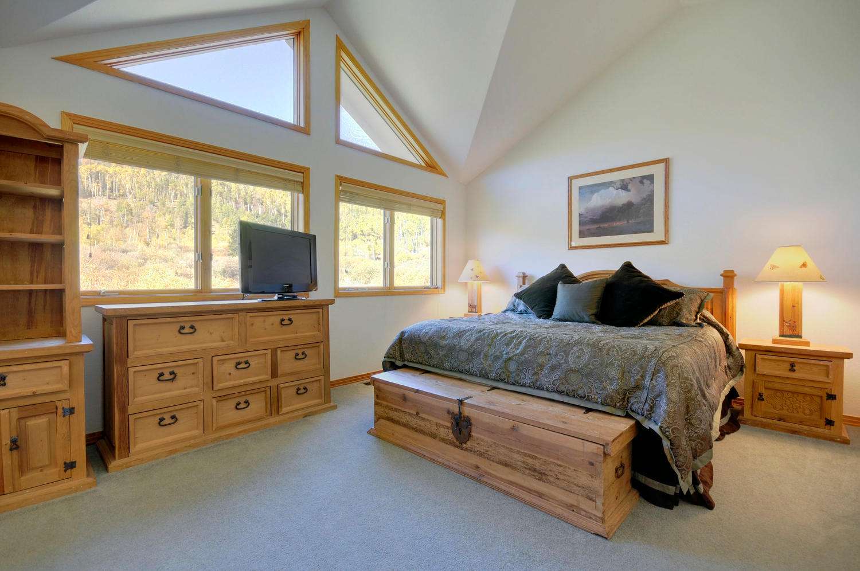 Keystone colorado rentals sleeps 12 seymour lodging for Keystone colorado cabins