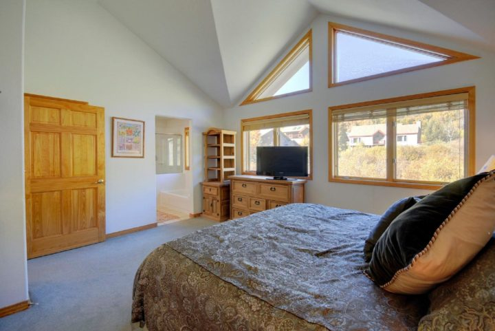The Retreat - 8BR/6 Bath property in the Keystone Ski Area.