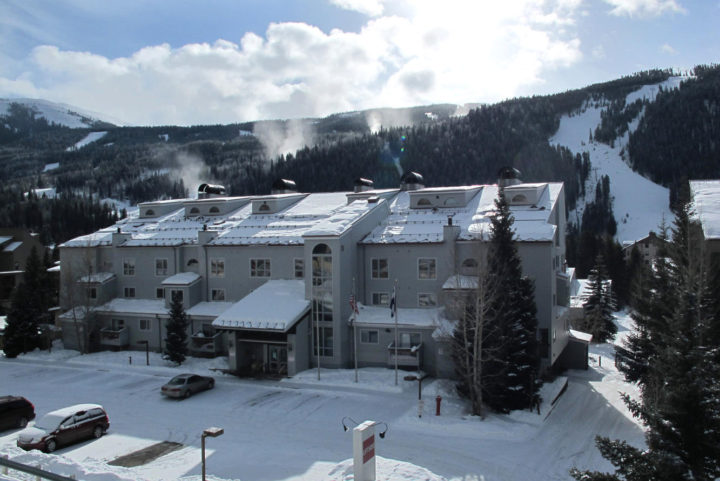 Liftside Condos near the lifts, ski school, 7 restaurants, and 3 night spots
