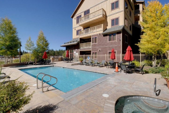 Reverse view of pool/hot tubs area at Red Hawk Lodge
