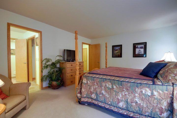 Ski Run Condominiums, slopeside in the Keystone Ski Area