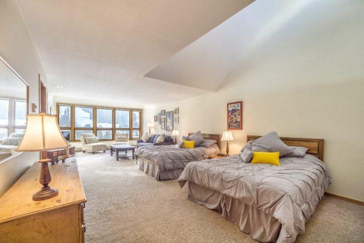 Liftside Condominiums, Keystone Ski Area