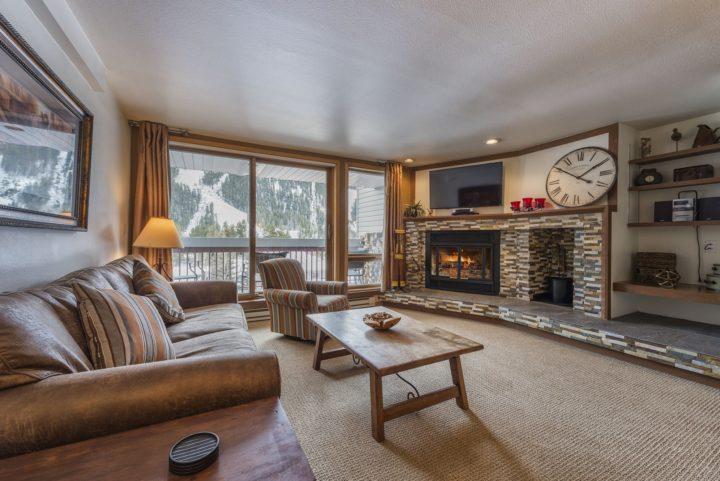 3rd floor living room (2 living rooms in unit)