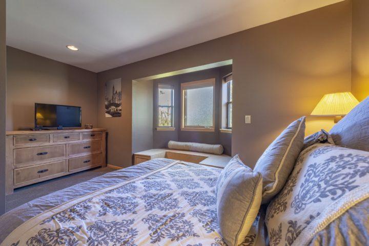 65 Snowberry Way bedroom 3 TV