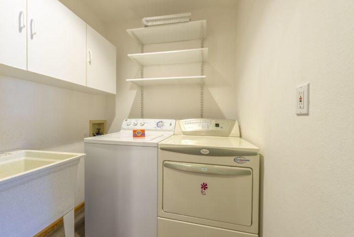 65 Snowberry Way laundry room
