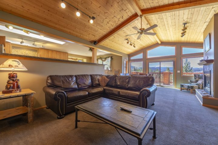 65 Snowberry Way living room