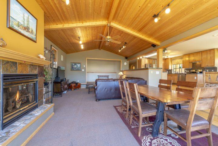 65 Snowberry Way living room