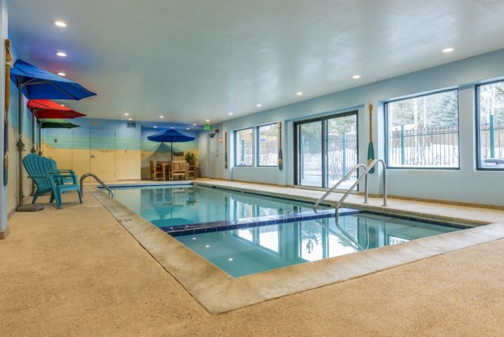Heated pool & hot tub in building