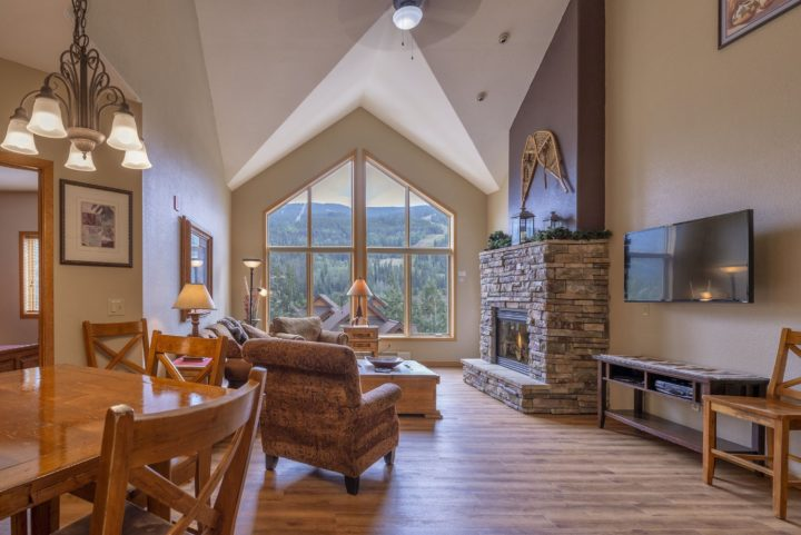 Top floor unit with vaulted ceiling and unobstructed ski run views