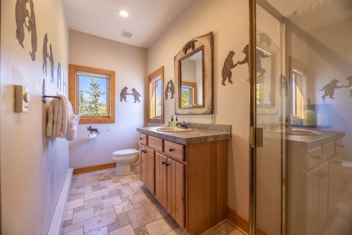 Bath 5 (walk-in shower); private to Family Room